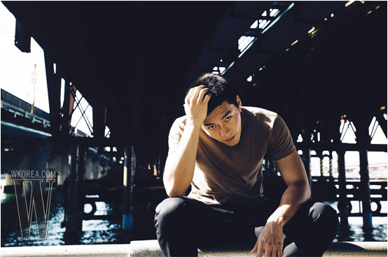 hyunbin buzz for W