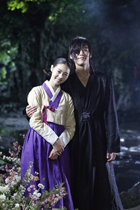 Choi Jin Hyuk and Lee Yeon Hee